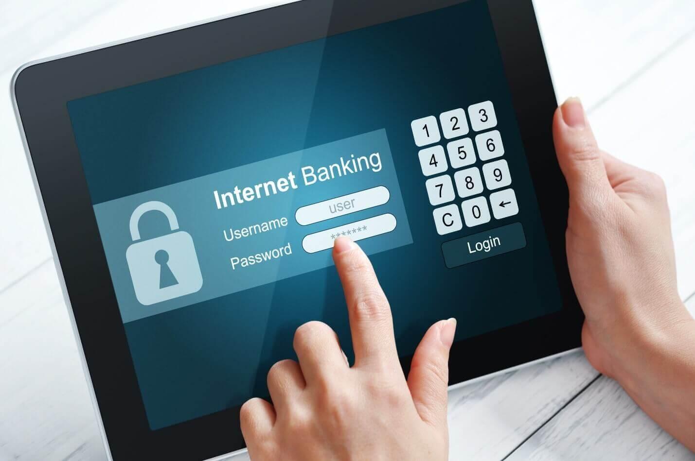 Интернет-банкинг и оповещения об операциях фото